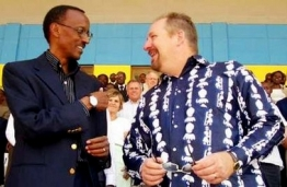 rick-warren-in-rwanda-for-p-e-a-c-e